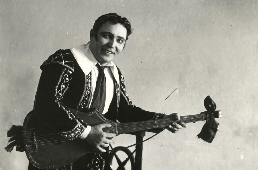 A_Arder Figarona 1926