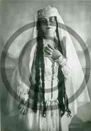 Olga Mikk-Krull 1924.jpeg